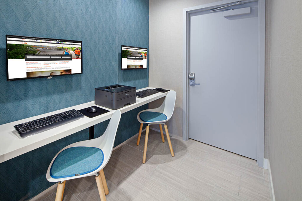 Business Center Amenities - Best Hollywood Hotel Stay Book Holiday Inn Express Hollywood Walk Of Fame Hotel 2