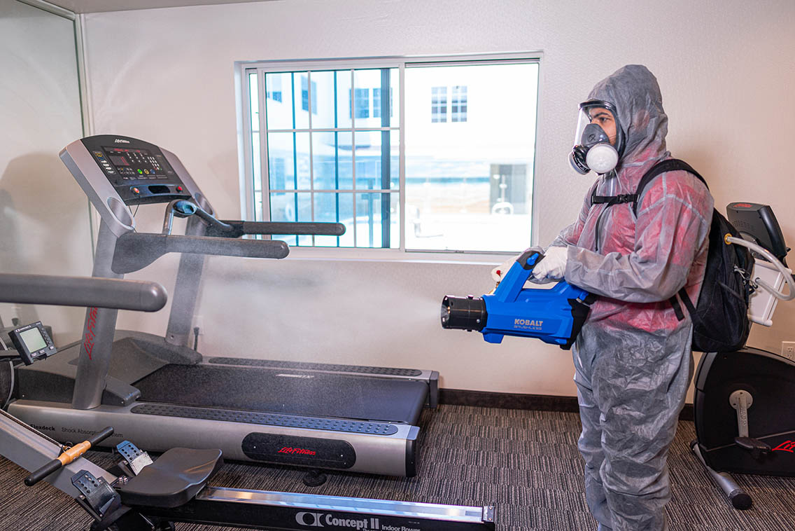 Cleaning And Disinfecting Gym Fitness Room For Covid-19 Cdc - Best Hollywood Hotel Stay Book Holiday Inn Express Hollywood Walk Of Fame Hotel