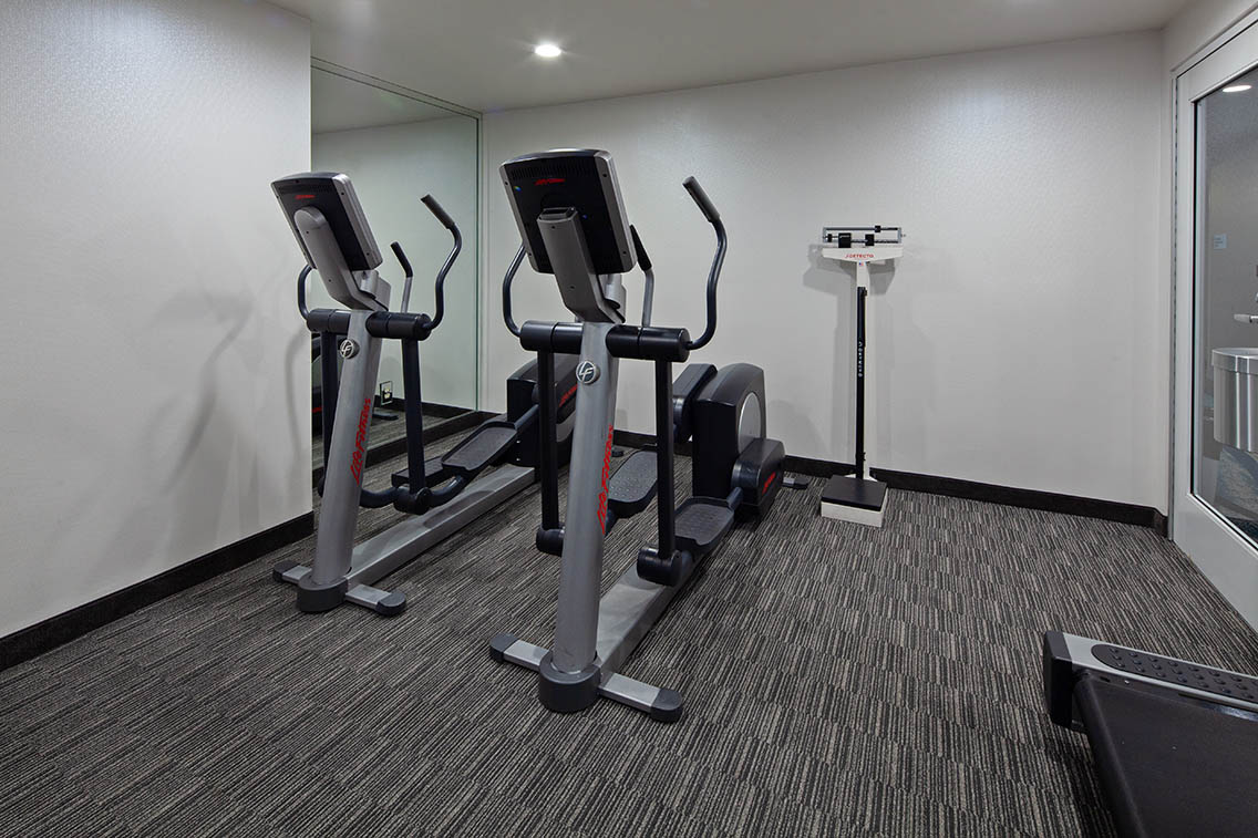 Health And Fitness Center Amenities - Best Hollywood Hotel Stay Book Holiday Inn Express Hollywood Walk Of Fame Hotel 2
