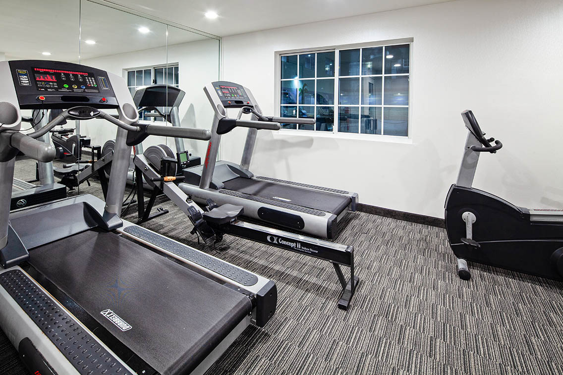 Health And Fitness Center Amenities - Best Hollywood Hotel Stay Book Holiday Inn Express Hollywood Walk Of Fame Hotel