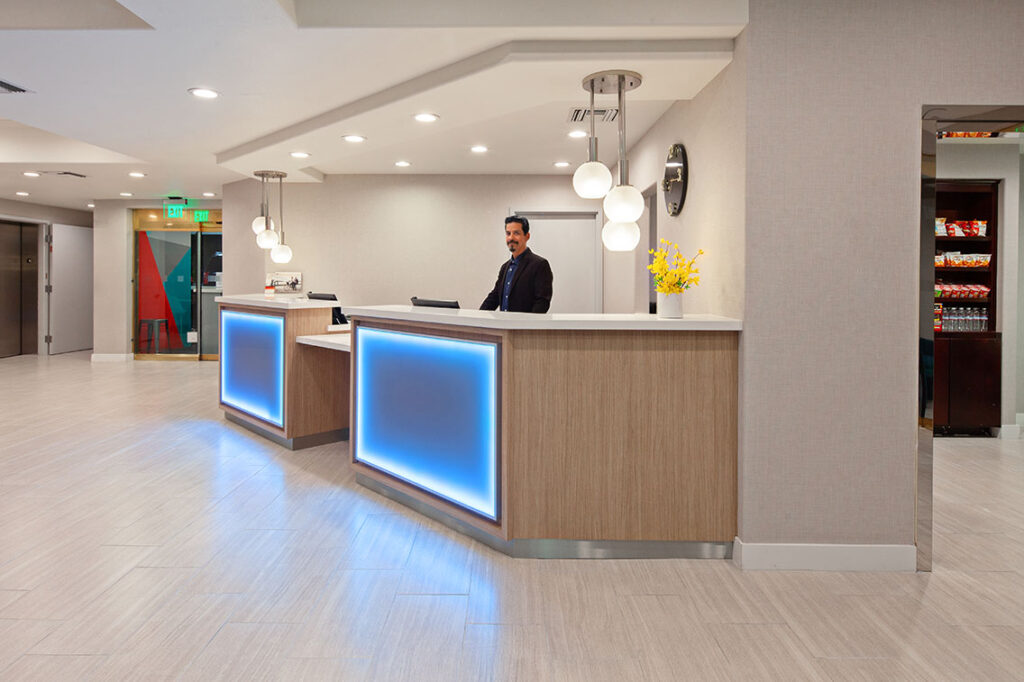 This Hollywood Hotel Ranks As One Of The Best In Quality, Service And Customer Satisfaction - Holiday Inn Express Hollywood Walk Of Fame Hotel